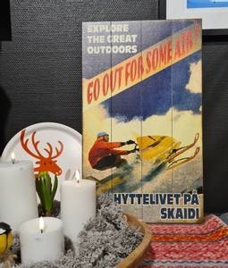 Bilde av Treskilt Scooter HYTTELIVET PÅ SKAIDI